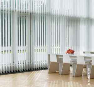 store a bandes verticales - store vertical blanc
