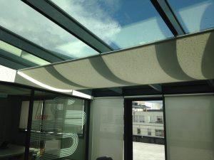 Toile tendue sous verrière - Toiles de protection solaire intérieure