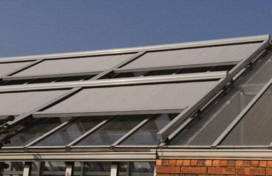 store coffre extérieur pour toit - store horizontal fenêtre toit