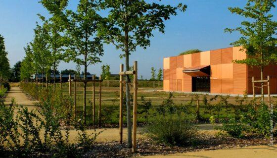 portes relevantes 2 vantaux bifold - salle polyvalente Laigné en Belin