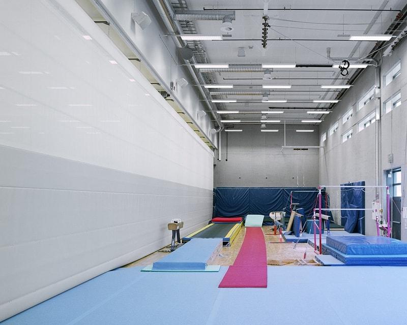 rideau de gymnase - rideau de séparation acoustique salle de sport