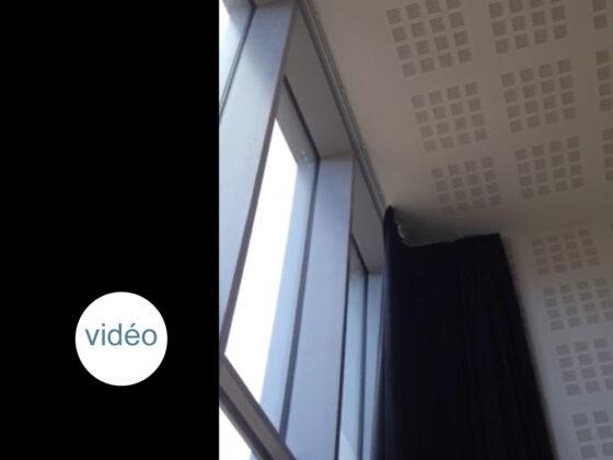 rideau en velours électrique - Médiathèque Ponchâteau
