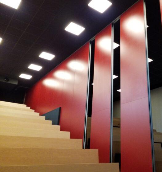 mur mobile finition Bordeaux - salle amphi Estia
