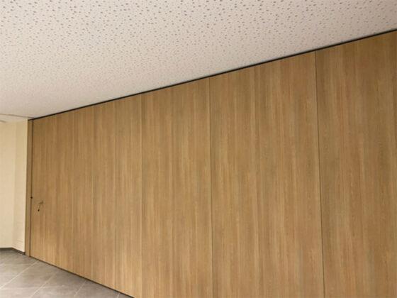 cloison mobile finition bois - mur mobile chêne classique